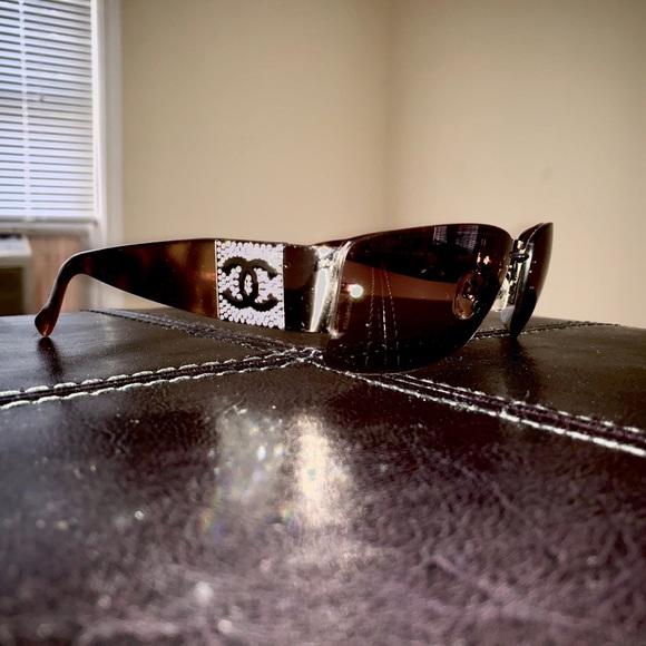 CHANEL 4117-B Authentic Tortoise Logo Sunglasses
